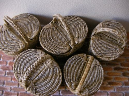 Hand woven baskets in dollhouse miniature scale by artisan Lidi Stroud