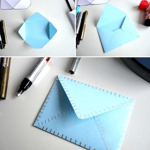 como hacer un sobre clasico para tus tarjetas o felicitaciones:  http://www.manualidadesinfantiles.org/sobres-para-tarjetas