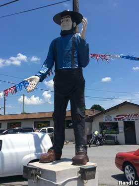Amish giant in Dover Delaware