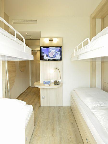 Mehrbettzimmer für bis zu 4 Personen - ideal für Familien und Gruppen | H2 Hotel am Alexanderplatz am Berlin
