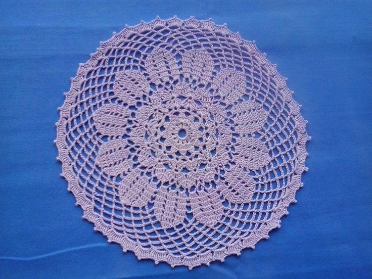Crochet lila doily -centrino lila all'uncinetto