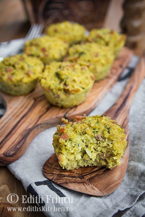 Muffins aperitiv cu quinoa, ou, cascaval si sunca, delicioase pentru micul dejun sau o gustare.