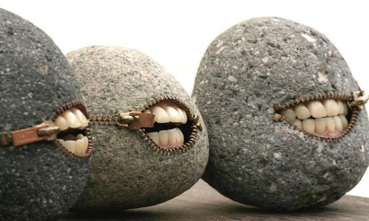 Les extraordinaires créations de Hirotshi : il façonne les pierres en objets surréalistes /Cliquez sur la photo pour voir les œuvres