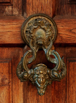 I took sooo many pictures of door knockers when I was in Italy.