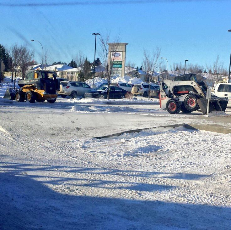 Snow Removal Edmonton : Picture of our bobcats in Edmonton today doing their thing. #yeg #bobcat #snowremoval #Edmonton