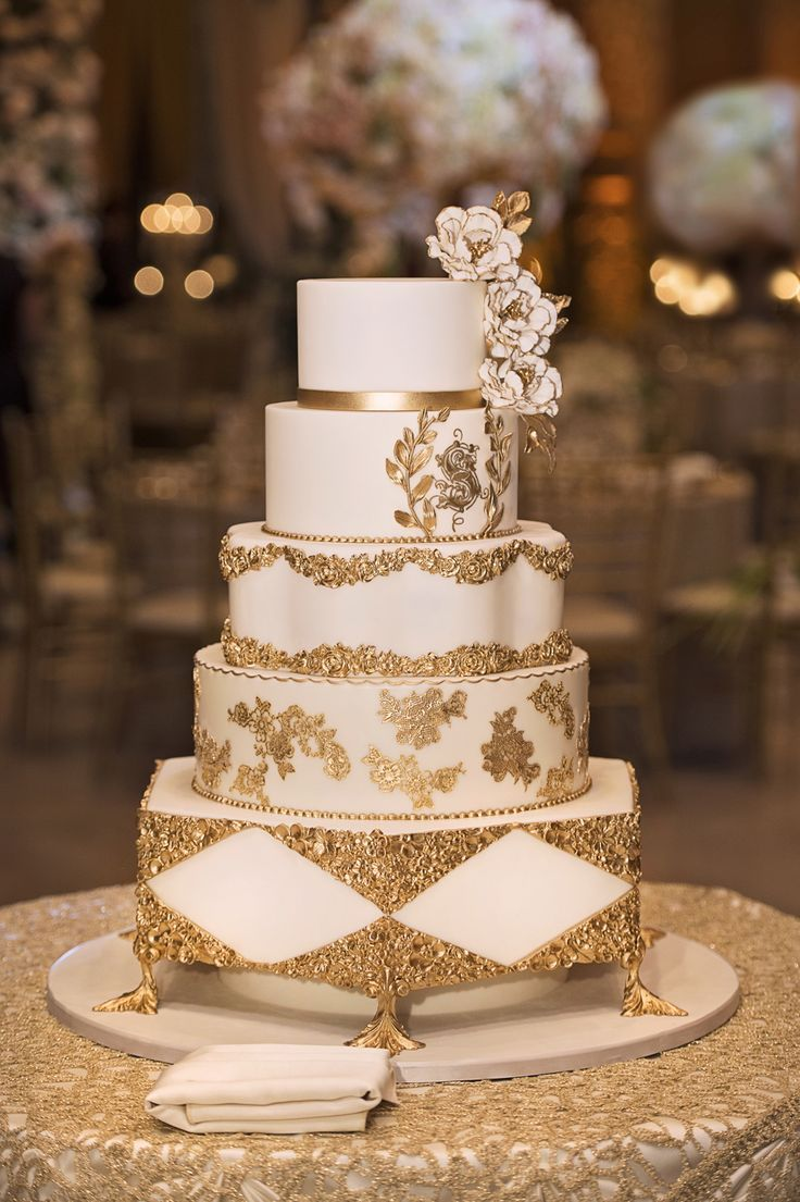Elegant Wedding With Gold Champagne Color Palette In Chicago