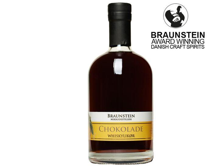 Braunstein Whisky Liqueur Chocolate: Es ist der Braunstein Single Malt Whisky, welcher die Grundlage für den Whiskylikör bildet. Dieser dunkle Whiskey wird ergänzt durch den Geschmack von Schokolade, Kaffeebohnen und Zuckerrohr.