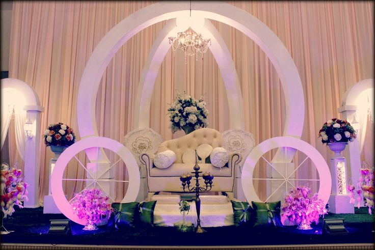 wedding stage (pelamin)
