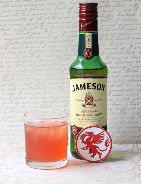 For fellow GOT fans... The Kingslayer: A Whiskey Drink. Whiskey (gotta be Jamesons for Jaime Lannister), cran, sour mix.  My kinda cocktail.