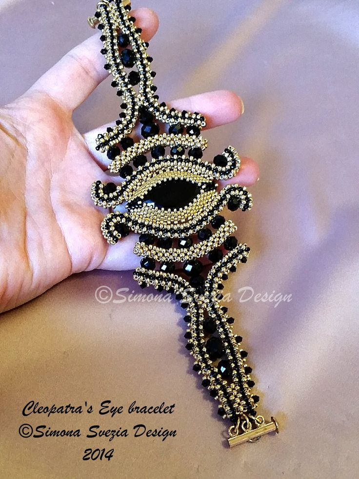 CLEOPATRA'S EYE bracelet ©Simona Svezia Design, 2014  (CRAW technique) https://www.etsy.com/it/shop/PerlineeBijoux http://www.misshobby.com/it/negozi/perline-e-bijoux