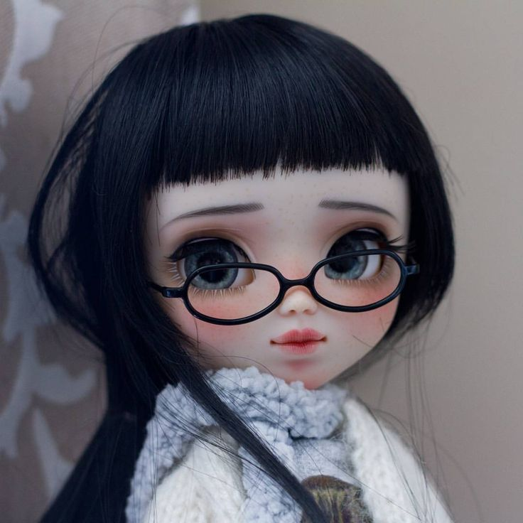 Hi! I'm Suri  Let me introduce you a new little girl. Her name is Suri and she will be for adoption next Thursday, April 06 at 19:00 spanish timezone. More info and pictures in my web  www.poisongirldolls.com  #poisongirldolls #poisongirl #pullip #pullipdoll #pullipcustom #custompullip #custom #dolls #dollstagram #doll #ooakdoll #ooak #junplanning #grooveinc #kawaii #japandoll #freckles #handmade #プーリップ