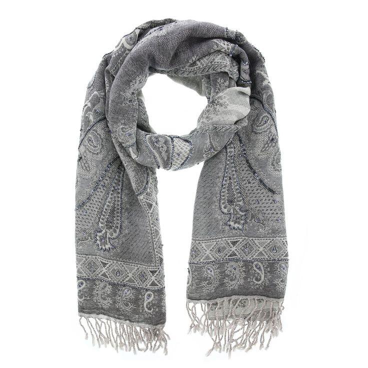 Een prachtige wintersjaal van het merk Otra Cosa. Deze sjaal van wol heeft een klassieke uitstralingen is heerlijk warm om te dragen bij bijvoorbeeld uw winterjas. Daarnaast ook erg geschikt als cadeau! Materiaal: 100% wol. Grootte: 70 x 180 cm.