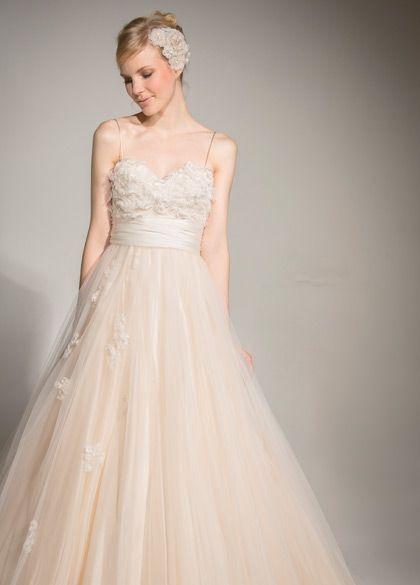 Dress Brand:Mirte   MARIA LOVELACEウェディングドレス   MARIA LOVELACE