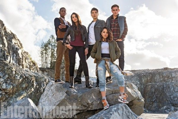 Check Out the New POWER RANGERS in this New Cast Pic!