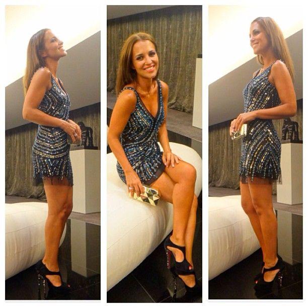 Noches Brillantes By Paula Echevarría  Hoy en su blog de Elle, @pau_eche con vestido de Basix para Cool The Sack  guapísima Paula!!! #coolthesack #paulaechevarria #Padgram