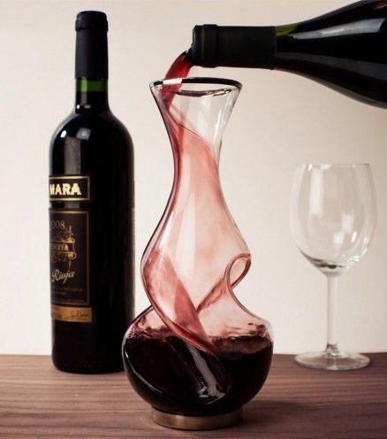 Achetez le décanteur à vin Conundrum au meilleur prix sur lavantgardiste afin d'améliorer le goût et l'arôme de votre vin.