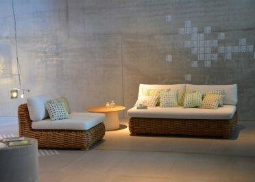 Canapé et fauteuil de salon en rotin design signés JANKURTZ chez www.ksl-living.fr