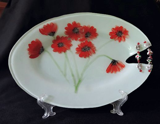 Poppies plate with bead detail.