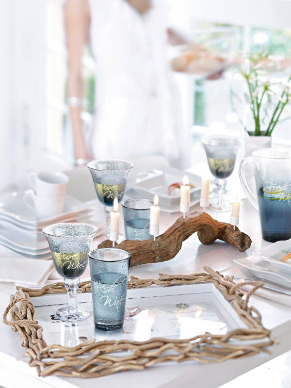 Love the idea of using drift wood as a centerpiece, with candles pinned into the wood. Great for a summer, beach themed party. *Warning: Do not leave candles burning unattended