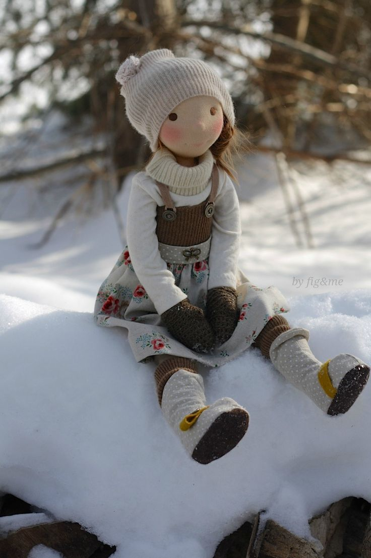 CUSTOM SPOT available (Winny, a Petite Fig cloth doll by Fig and me) from now until Sunday.