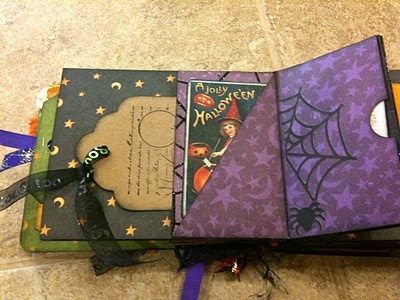Halloween mini albums - I can never get enough of cute little albums!