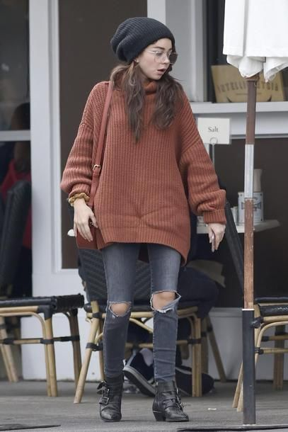 Fall Looks :      Picture    Description  Get the sweater – Wheretoget     https://looks.tn/season/fall/fall-looks-get-the-sweater-wheretoget-5/