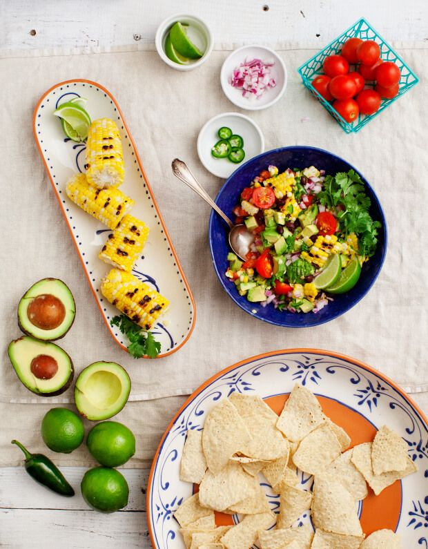 Healthy Vegetarian Grilling Recipes - Healthy vegan and vegetarian summer grilling ideas! Easy marinated  veggie skewers, spicy grilled corn and chunky guacamole. Perfect for a memorial day or 4th of July cookout!
