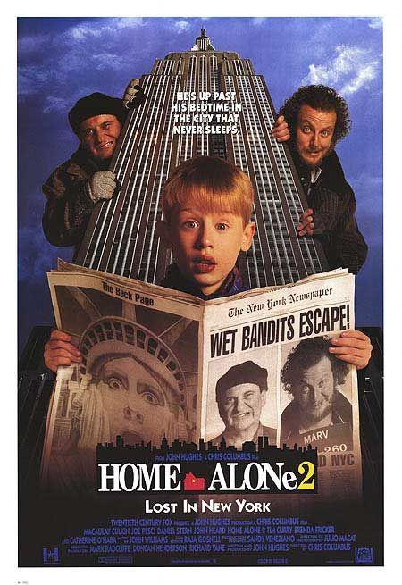Home Alone 2 (1992) --Macaulay Culkin, Joe Pesci, Daniel Stern, John Heard, Catherine O'Hara, Kieran Culkin-- durante un año después de que Kevin se quedó solo en casa y tuvo que derrotar a un par de torpes ladrones, descubre accidentalmente a sí mismo en la ciudad de Nueva York, y el mismos criminales no se quedan atrás.