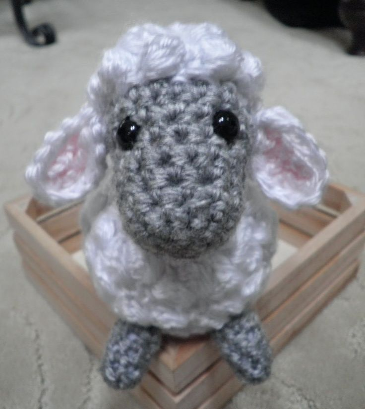 Free Crochet Pattern Baby Lovey : 25+ best ideas about Crochet Sheep on Pinterest Bobble ...