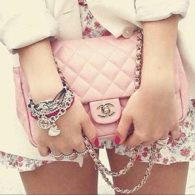 loveeeeeee: Coco Chanel, Pastel, Chanel Handbags, Chanel Bags, Chanel Pur, Design Handbags, Pink Bags, Pink Chanel, Cocochanel