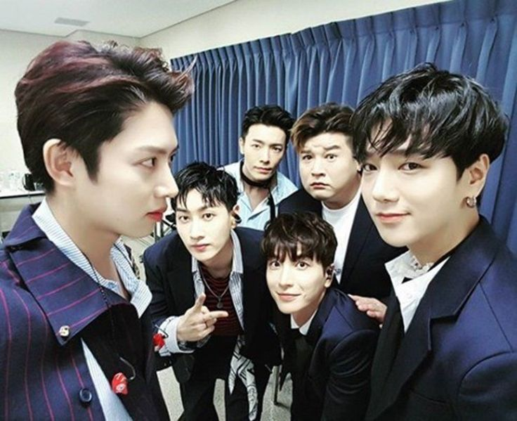 Heechul posted a photo featuring Eunhyuk, Donghae, Shindong, Leeteuk and Yesung.                   27 July 2017