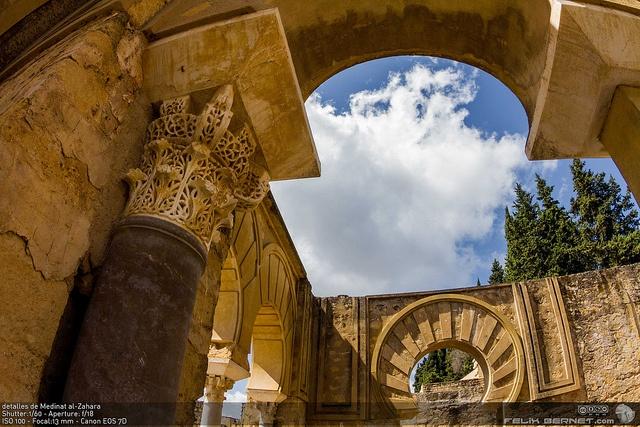 detalles de Medinat al-Zahara by felixbernet, via Flickr  http://luzdomada.com/2012/04/detalles-de-medinat-al-zahara/