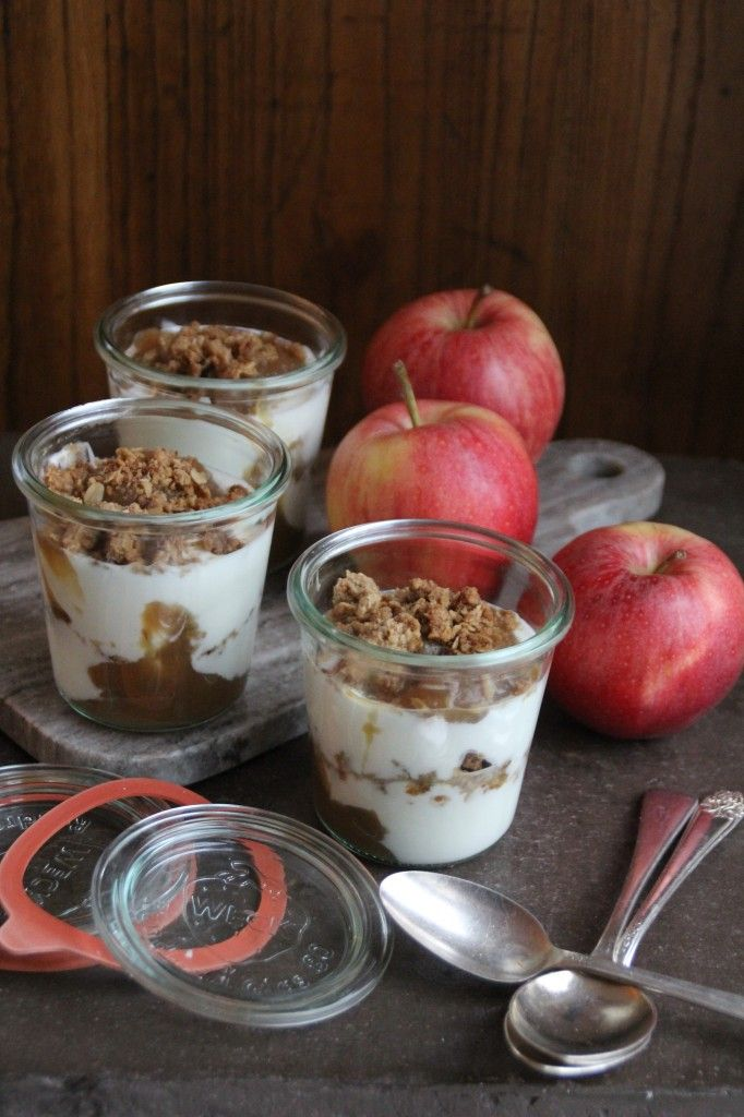 Yoghurt with apple butter and crumble
