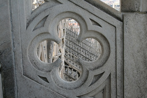 Dizzy view through a quatrefoil by raggi di sole, via Flickr
