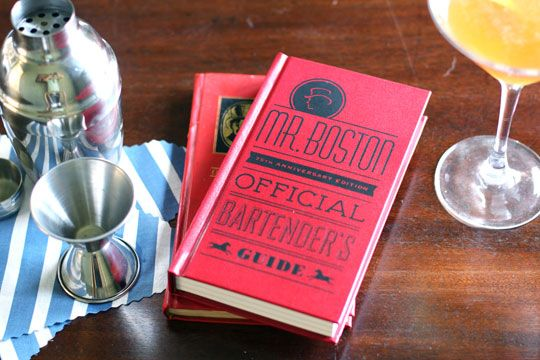 Classic Cocktail Book: Mr. Boston Official Bartender's Guide
