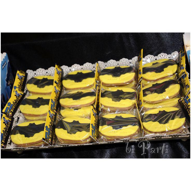 Batman cookies. Batman party ideas. Batman theme. Batman birthday. Batman themed party.