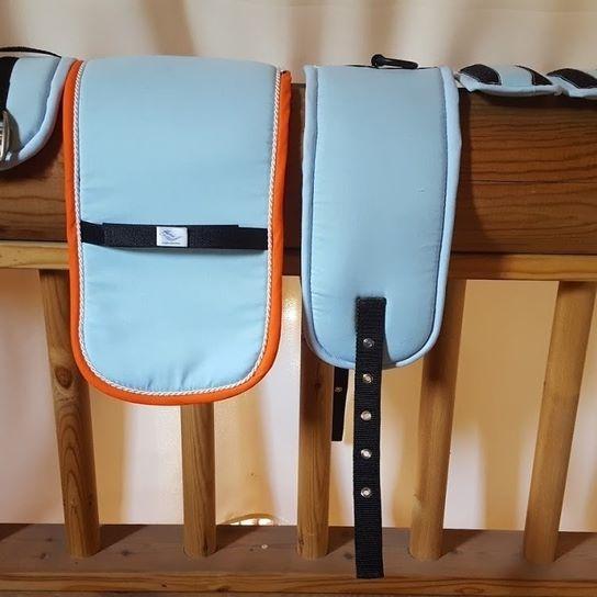Ensemble de longe  Surfaix Taille mini poney Tissus coton bleu ciel Biais bleu…