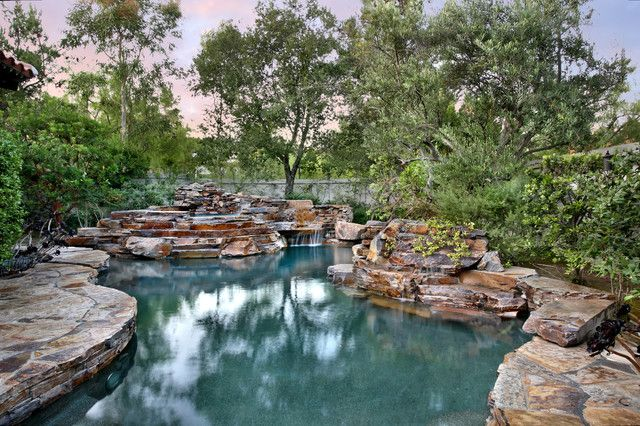 Love the way this pool looks kind of natural | When I