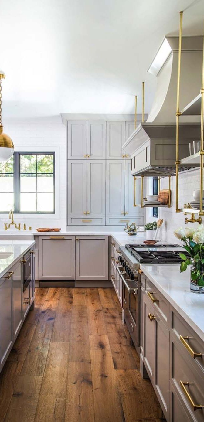 To Bring Some Mediterranean Style To Your Kitchen Incorporate Operating Colors Rustic Hardwa Country Kitchen Designs Linoleum Kitchen Floors Kitchen Flooring