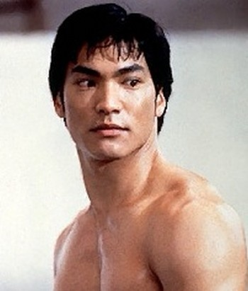 Jason Scott Lee in Dragon, The Bruce Lee Story