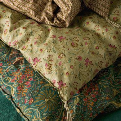 Les 25 meilleures id es de la cat gorie couvre lits sur pinterest dessus de - Linge de maison caravane ...