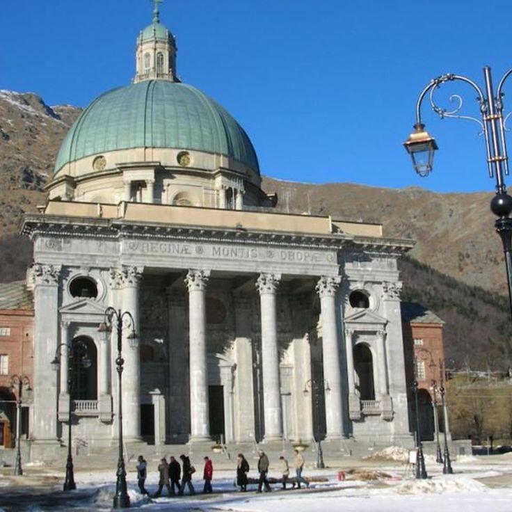 Sacro Monte di Oropa (BI)   Scopri di più nella sezione Itinerari del portale #cittaecattedrali