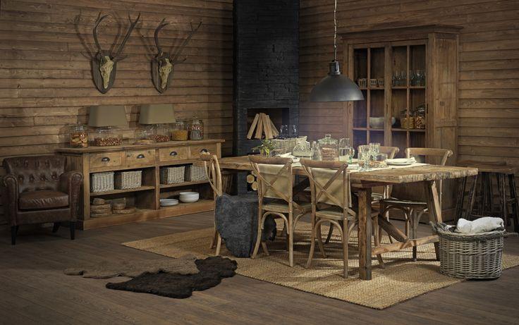 Store | S.O.U.L - Skandinaviska naturmaterial med detaljfokus. Granville är en mäktig och rustik möbelserie från S.O.U.L. Med dessa möbler kommer du garanterat skapa en vilsam vikt i hemmet. Granvilles möbler använder man både till vardags och till fest, de är tidlösa och håller en enormt bra kvalitet. Med deras grova ytor kan man se spår av historia som förmedlar en känsla av att möblern har varit i familjen i flera generationer. Möblerna i Granville samlingen är den ultimata hyllning till…