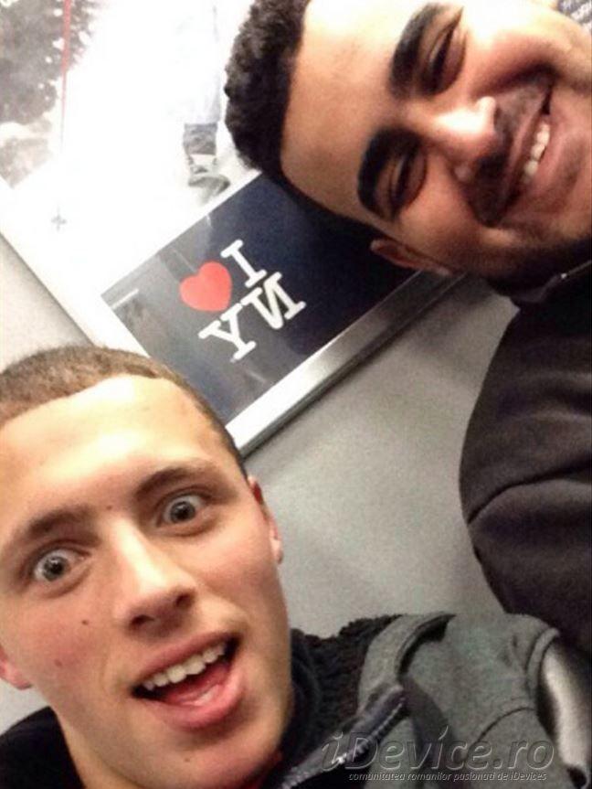 Un hot fura un iPhone, se preda dupa ce trimite selfie-uri mamei victimei