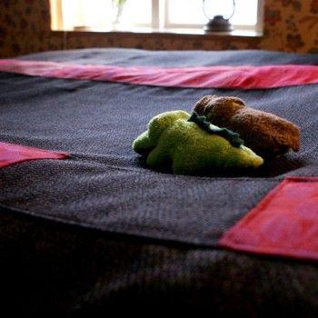 Sängöverkast Kollektion Jenn- krokodilerna är inte till salu... Men du har säkert egna ;)