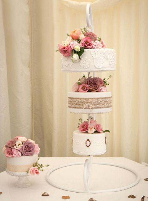 Свадебные подвесные торты в стиле люстры, свисающие с потолка