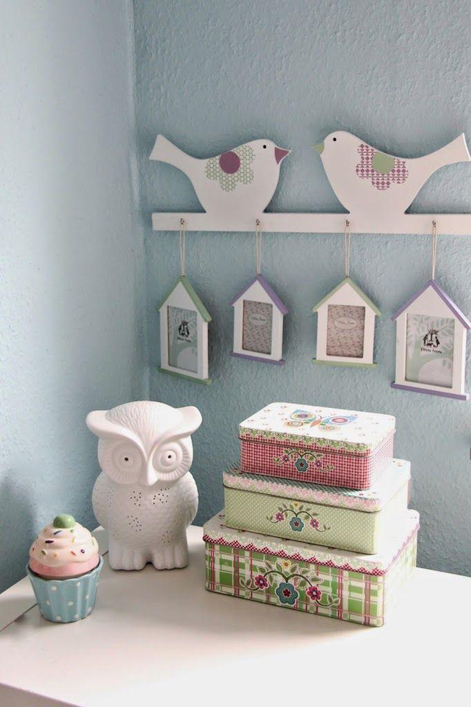 Lieblingsideeblogspotde 2014 05 Kidsroom Decoration Part I Kinderzimmer Baby Madchen Dekoration Eulenlampe Metalldosen