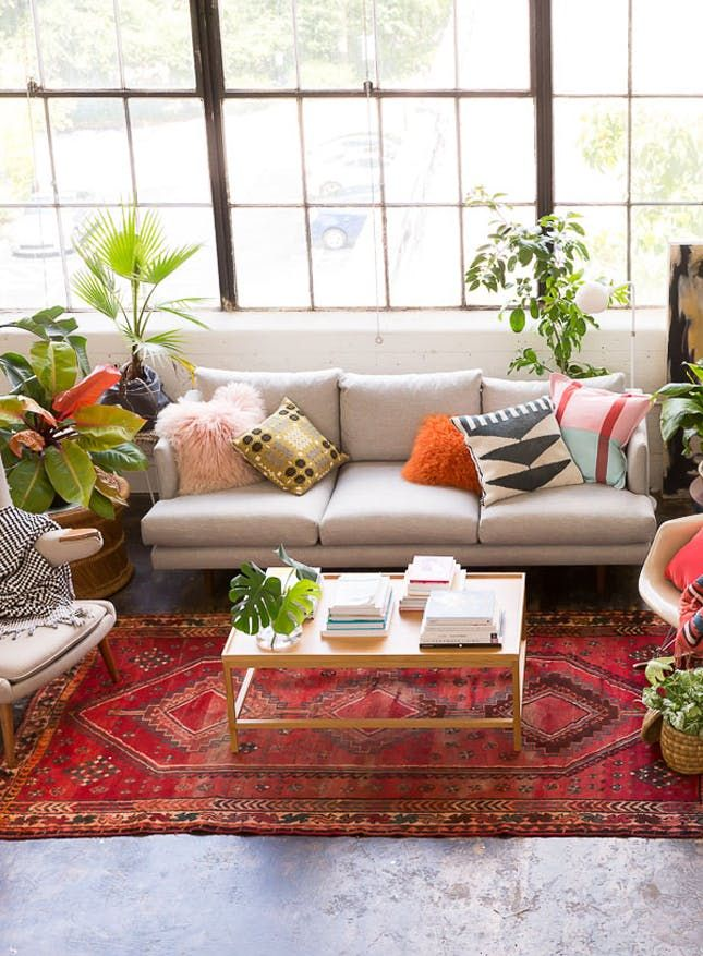 8 Stylish Ways To Make A Vintage Rug Work In Your Modern Space Rugs In Living Room Eclectic Bedroom Eclectic Loft