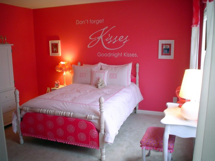 Fuschia pink bedroom accessories