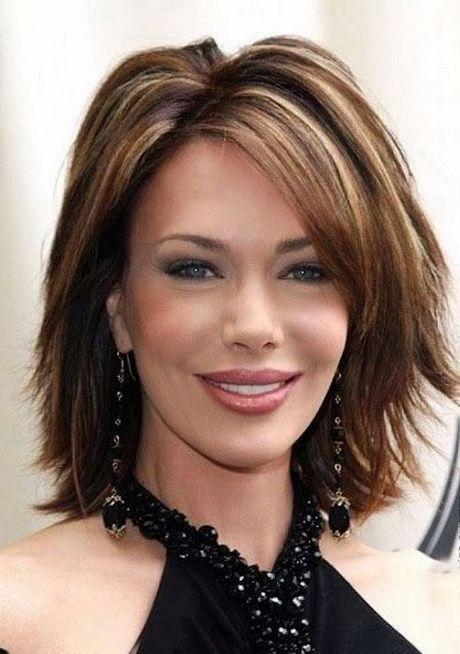 Bildergebnis für mittlere Frisuren für Frauen über 40 längliches Gesicht # WomenHairHighlightsOver40   – Maggie King